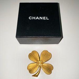 CHANEL Vintage Gold Clover 🍀 Brooch Pin